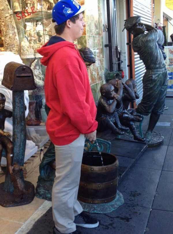 fun-statues-32